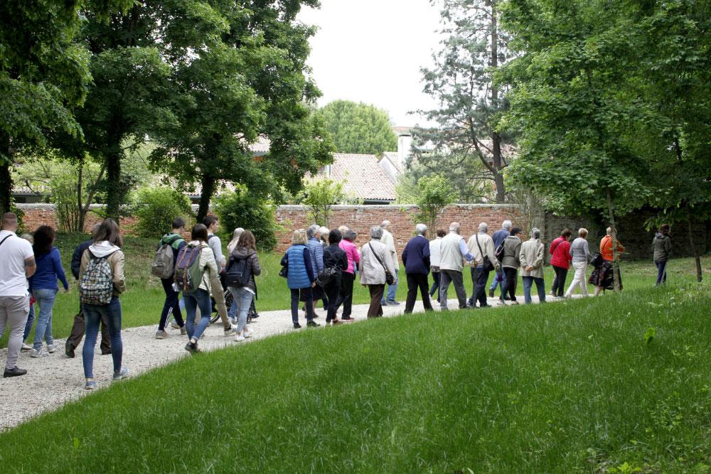 Passeggiata al Parco Bolasco con il progetto Foglie d'Erba